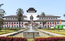 Review Kota Bandung dari Sisi Perantau
